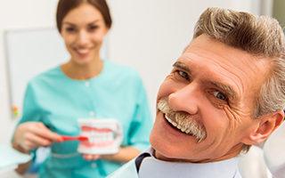 http://www.dentalsphere.in/wp-content/uploads/2015/11/Dentures-320x200.jpg